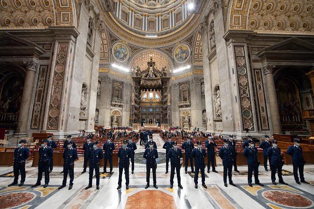 Thánh Lễ cho Đội Hiến binh Vatican