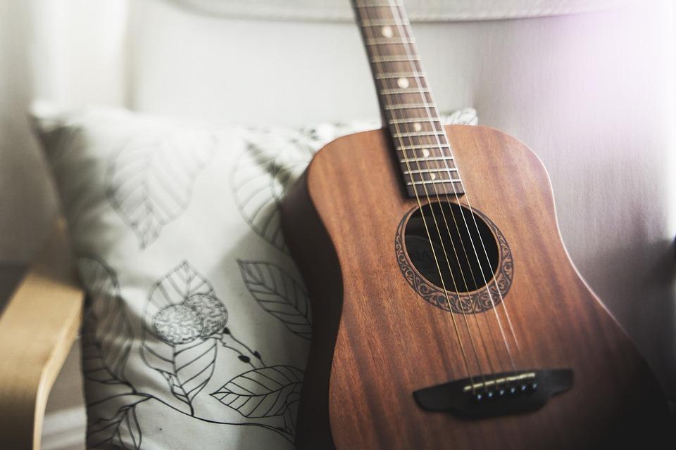 акустична гітара для новачка