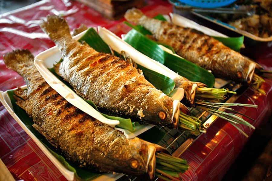 cá suối nướng sông Đà