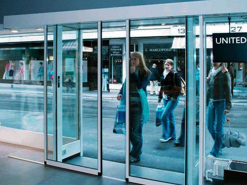 Lựa chọn sử dụng cửa tự động có nên hay không?