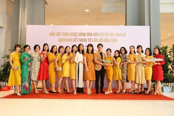 """ONA Global tưng bừng tổ chức Lễ vinh danh """"Top 30 nữ doanh nhân xuất sắc nhất của quý III năm 2020"""" - Ảnh 15"""