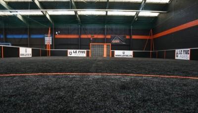 faux-gazon-pour-football-indoor-noir