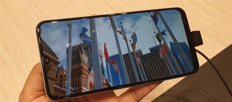 Màn hình của điện thoại Samsung Galaxy A30 chính hãng