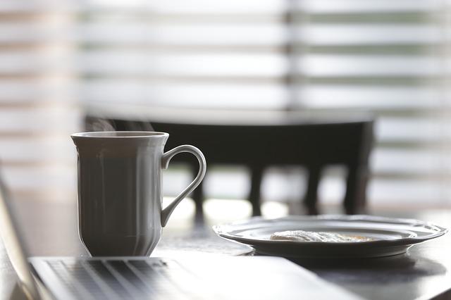 coffee-cup-768775_640.jpg