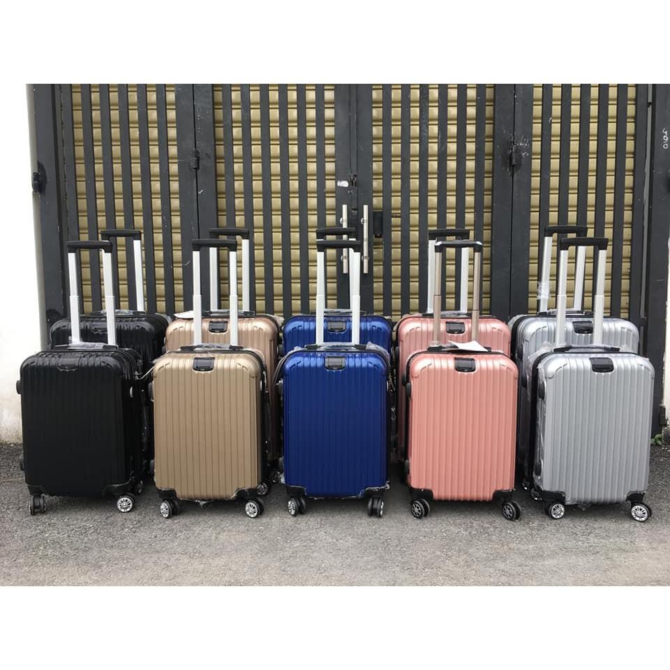 Thường xuyên vệ sinh để giúp cho chiếc vali có được sự sạch sẽ