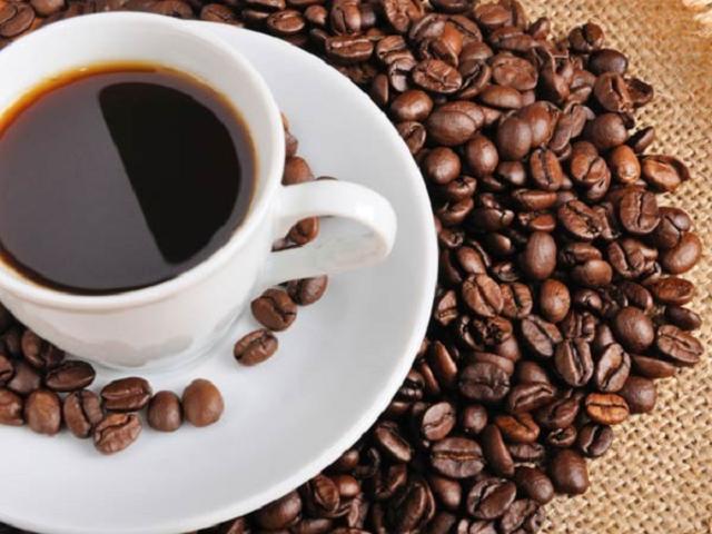 Uống ly cà phê nguyên chất mỗi buổi sáng giúp bạn giảm cân hiệu quả