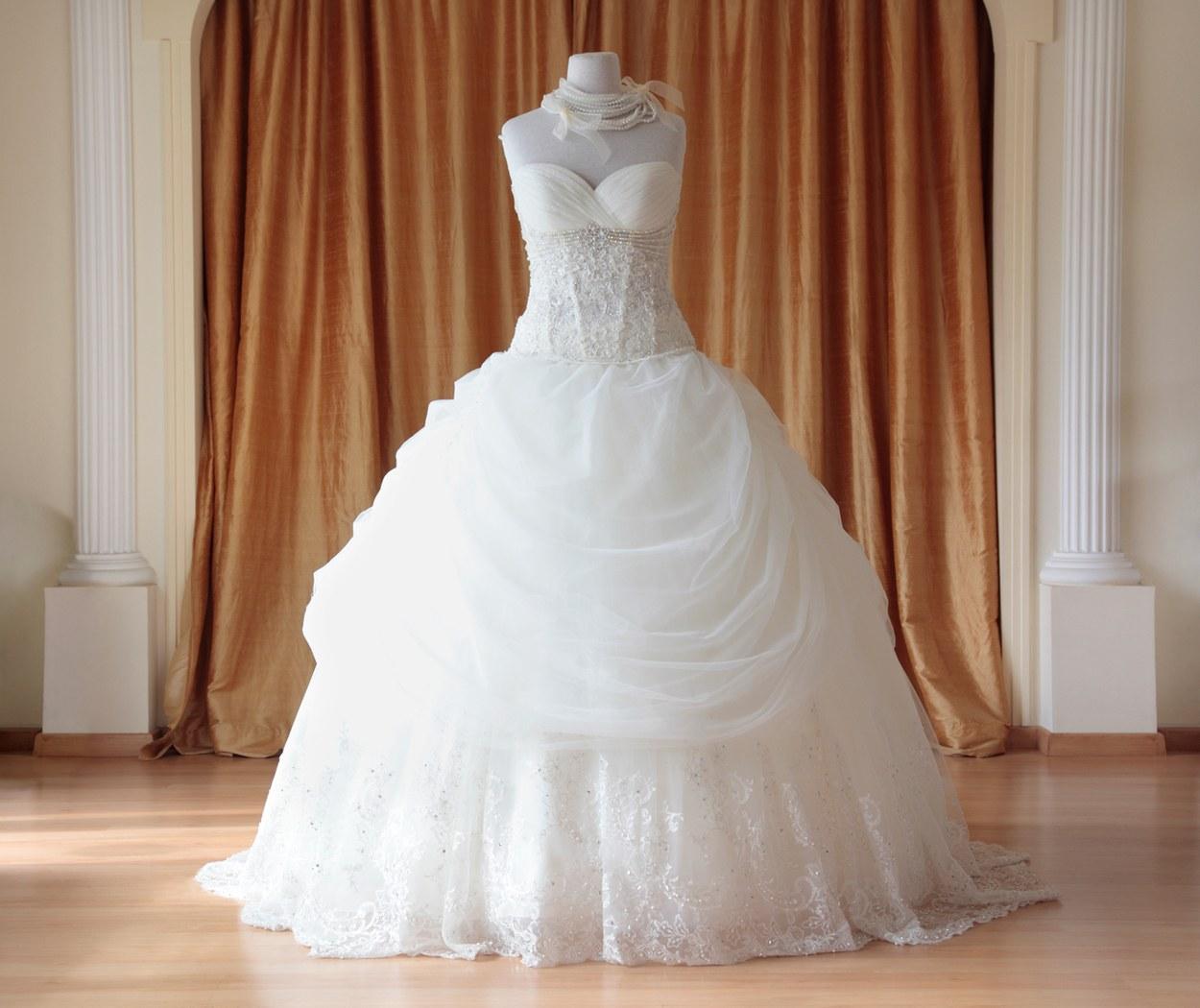 O que fazer e o que não fazer quando for escolher seu vestido de noiva 02