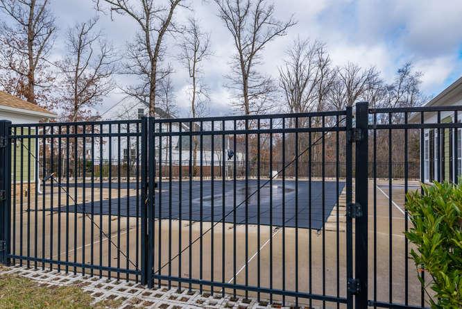 22414 Dinah Pl Leesburg VA-small-061-18-Community Pool-666x445-72dpi.jpg