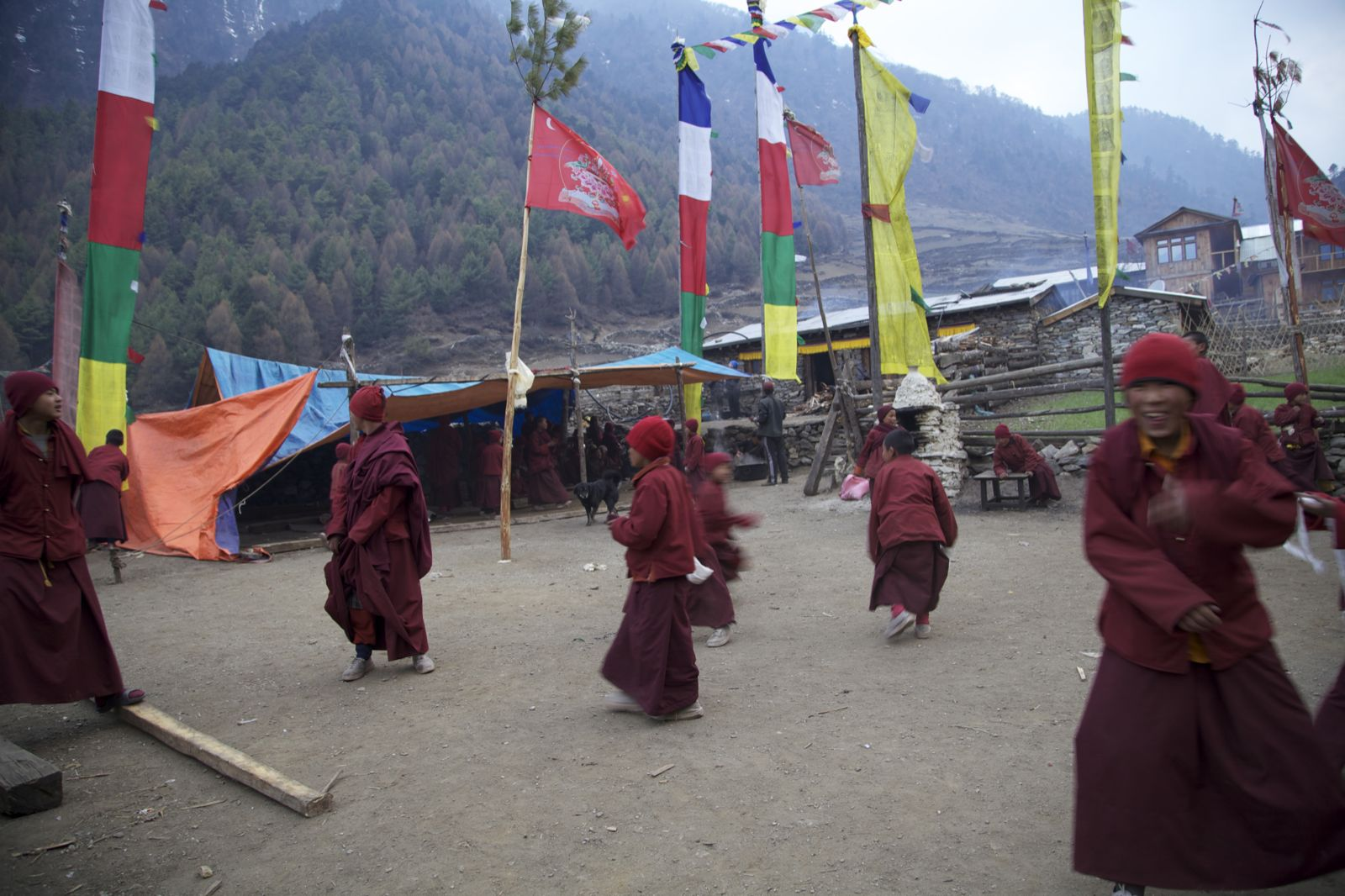 Manaslu trek: monks and monasteries