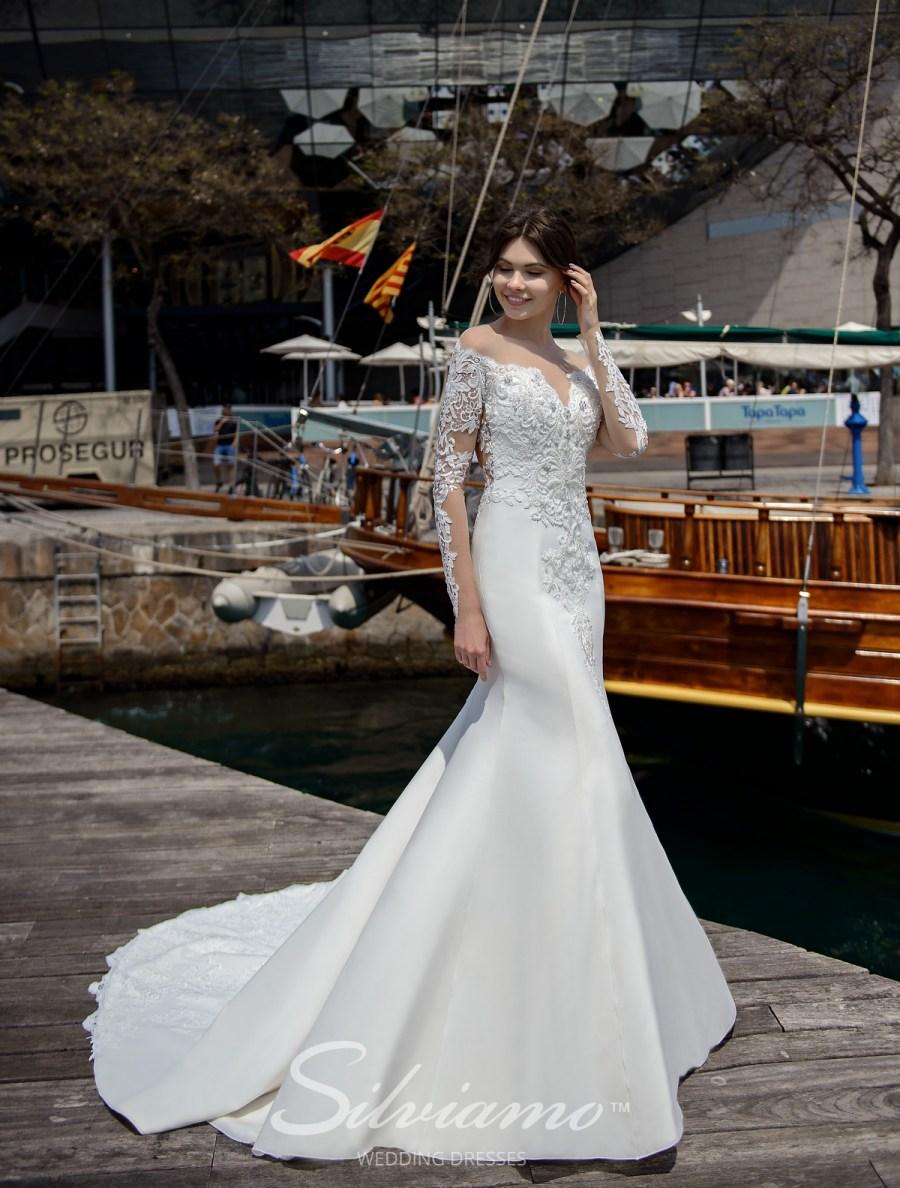 Весільна сукня на кокетці з прозорим декольте