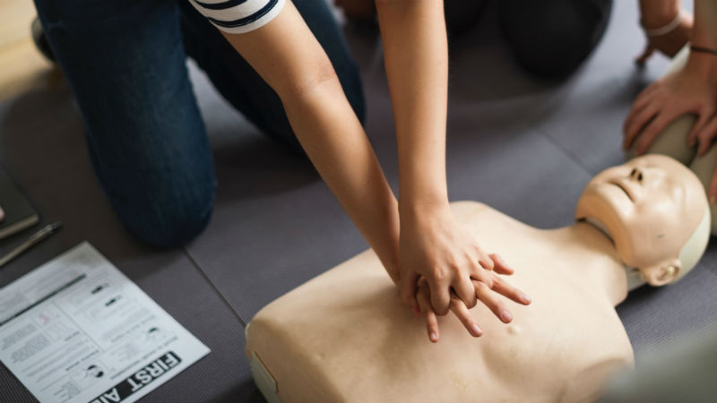 In India, first-aid training for bystanders attempts to fill gap in emergency care