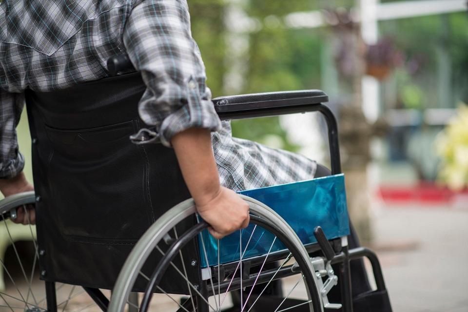 O Estatuto da Pessoa com Deficiência determina diversos aspectos em relação à mobilidade urbana. (Freepik/Reprodução)