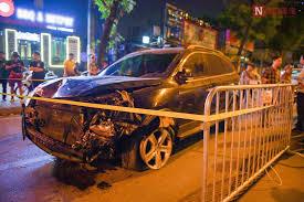 Vụ tài xế say xỉn đâm thẳng vào nữ lao công ở Láng Hạ (Hà Nội) - tước bằng lái xe