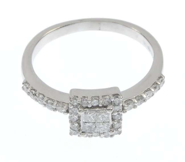 A_platinum_diamond_ring._Fellows-1435-523-4.jpg