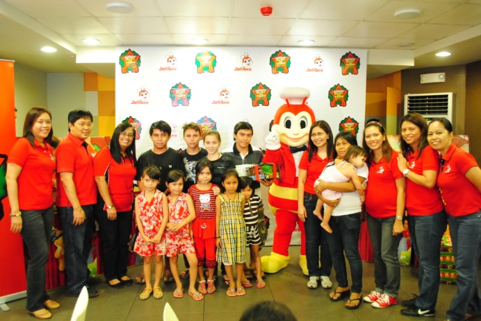 jollibee training and development Jollibee's strong focus on issues such as product development, operational  at  jollibee, employees received extensive training so that they could learn the.