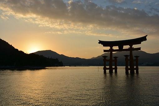 shrine-1030442__340.jpg
