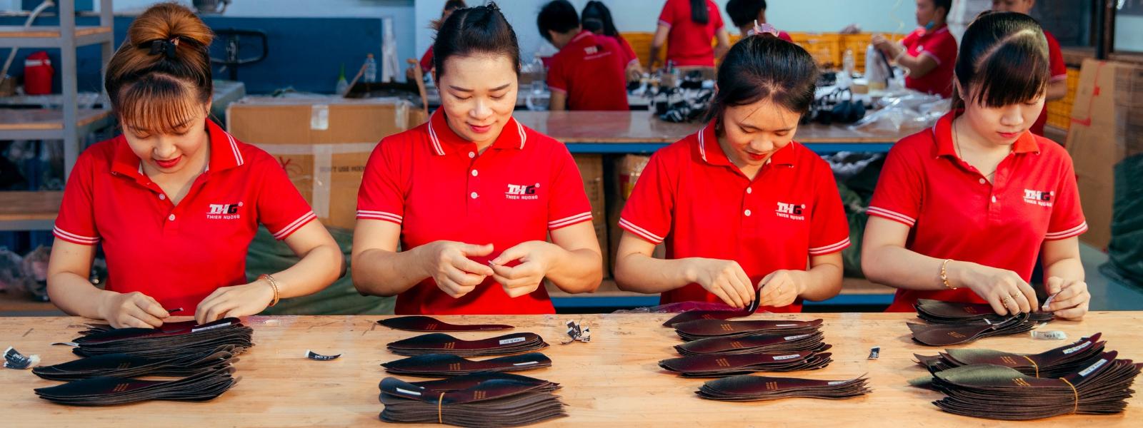 Nhân viên có kinh nghiệm trong sản xuất giày dép