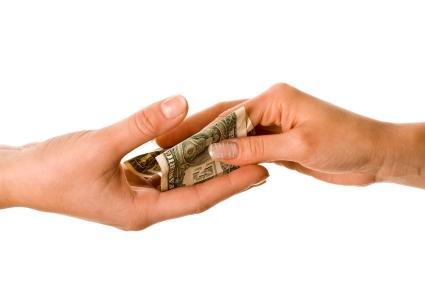 http://cdn.gobankingrates.com/wp-content/uploads/lending-money-to-family.jpg