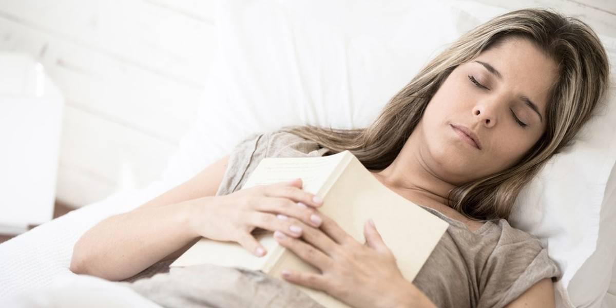 Sursauts du sommeil : Si votre corps sursaute pendant l'endormissement,  voici ce que cela signifie