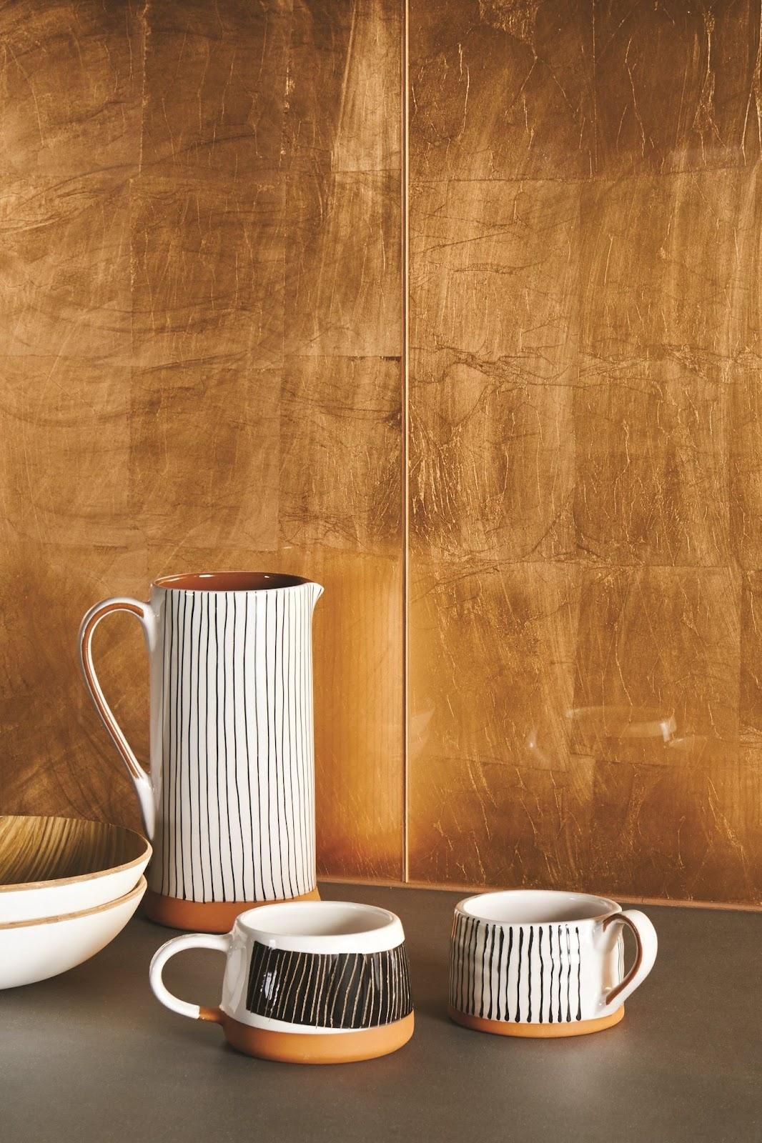 Sơn hiệu ứng Waldo - Dát vàng lá - Các gân lá vàng nổi lên bề mặt chi tiết mang lại cảm giác rất chân thật