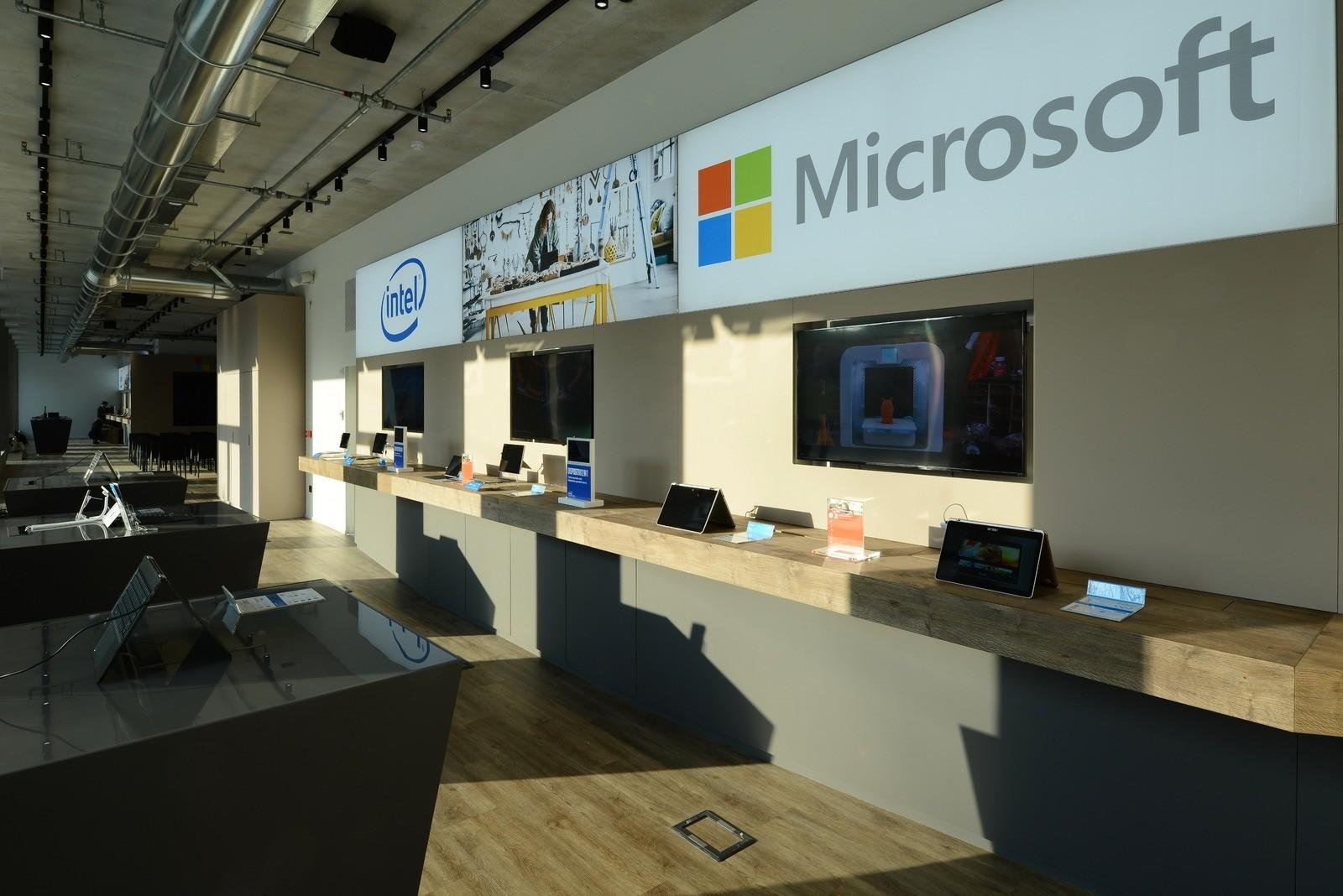 Tengase presente nuevas oficinas de microsoft en italia for Oficinas de microsoft