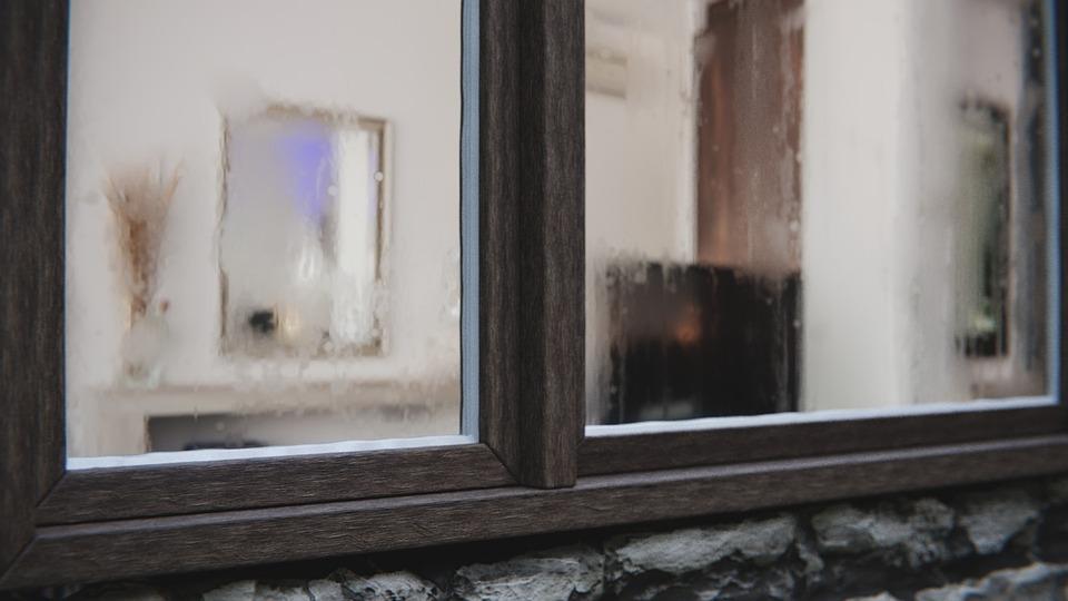 window-2561251_960_720.jpg