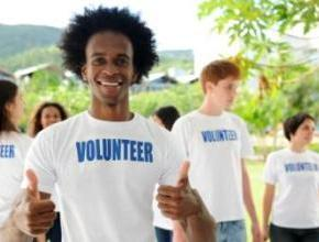 http://shawnaburkell.com/wp-content/uploads/2013/01/student-volunteering.jpg