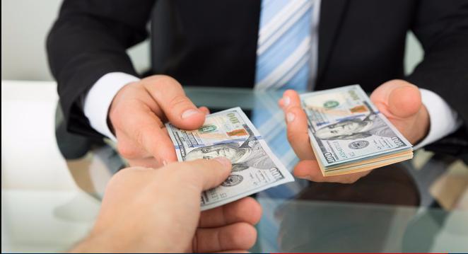 Những rủi ro khi sinh viên vay tiền online