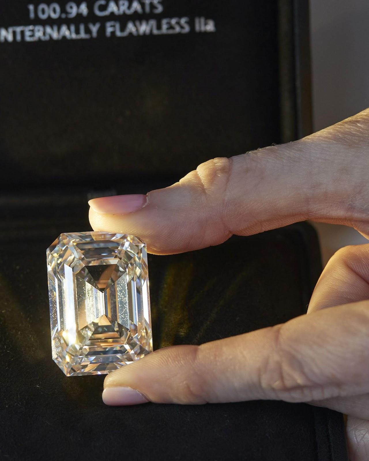 Chiêm ngưỡng viên Kim cương 101 carat khổng lồ - ảnh 1