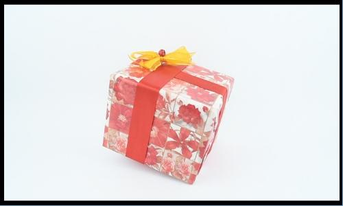 4._Wrap small gifts.jpg