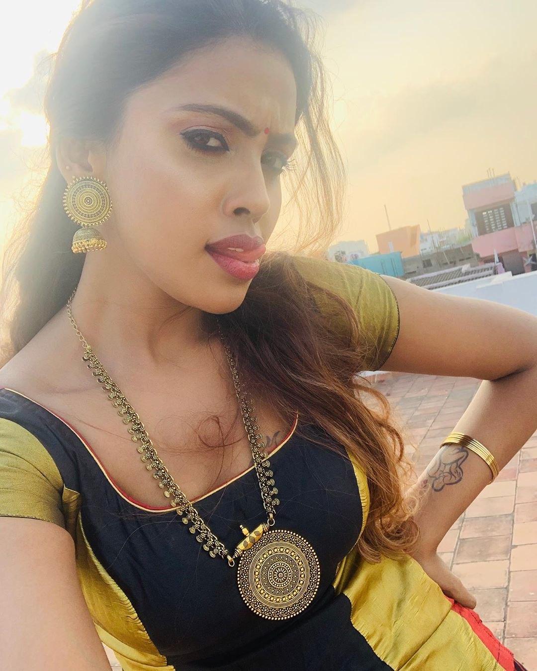 Actress Srinikha in Pattu Pavadai Sattai - South Indian Actress - Photos and Videos of beautiful actress -