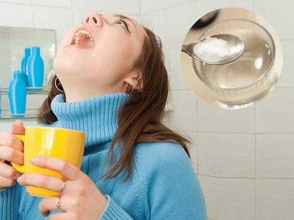 dùng nước súc miệng đúng cách - Dr.Muối
