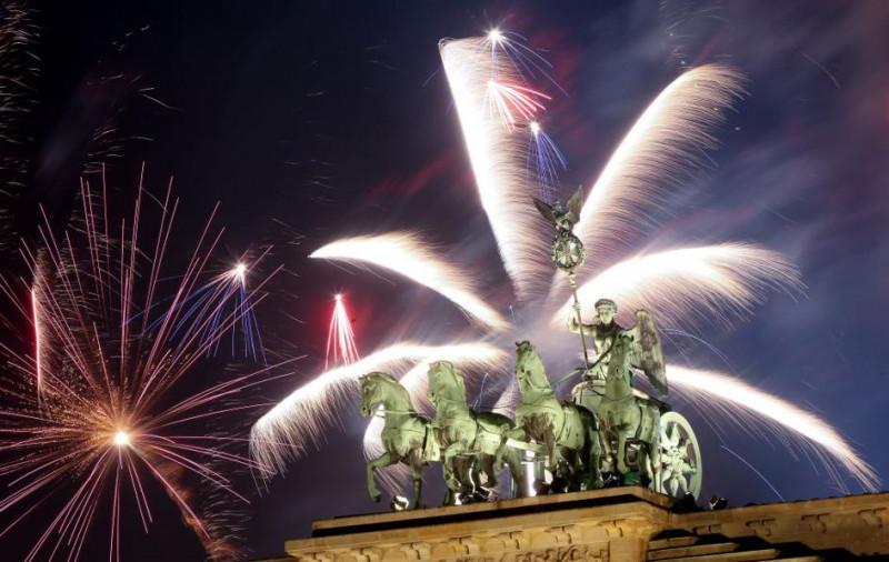 Quảng trường Berlin đêm giao thừa Tết ở nước Đức