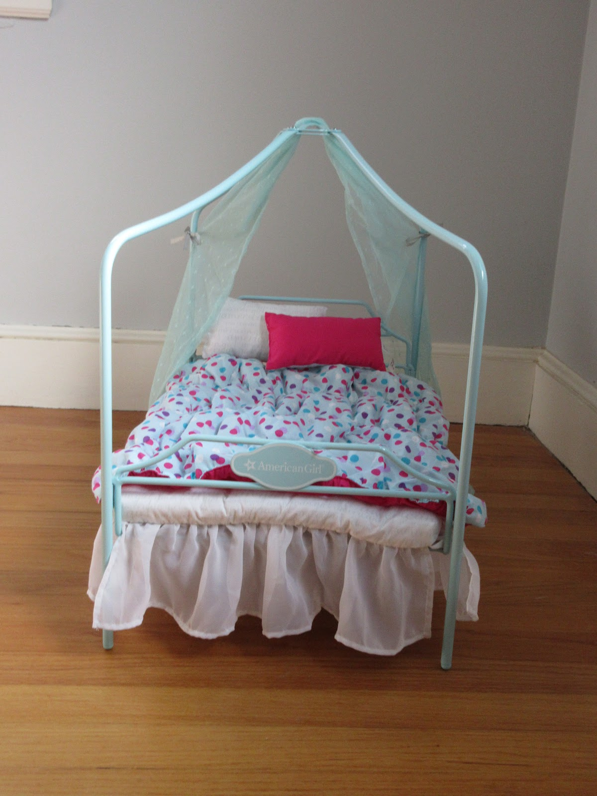 Remember when I said that this would take a while and it would be really hard? I was so wrong. This bed was really easy to assemble and it looks adorable. & Theagdolldreamer: Review of the American Girl Canopy bed