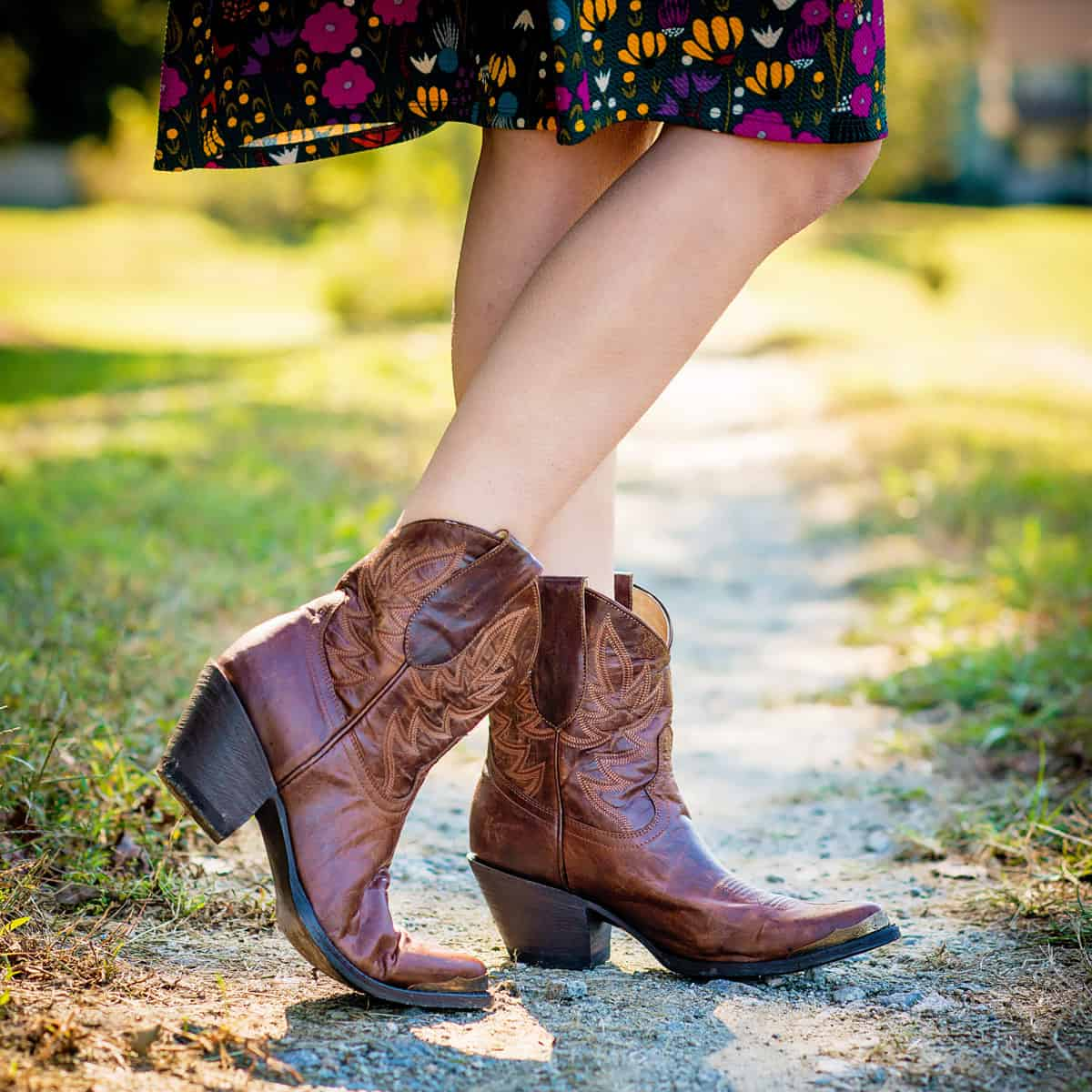 Daily Mom parents portal holiday 2018 Boot Barn Idyllwind new shoes