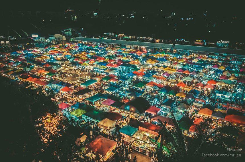 Talad Rot Fai Srinakarin Night Market