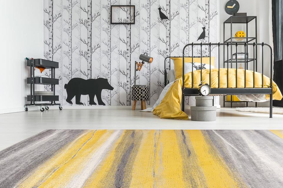 Żółto-szary dywan młodzieżowy w przenikające się pasy Summer Abstract