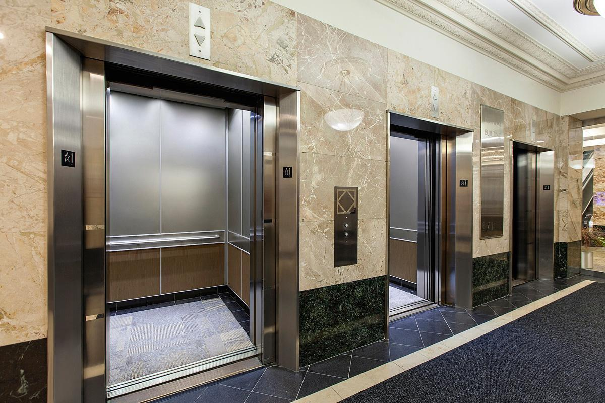 5 điều cần biết về thang máy có phòng máy