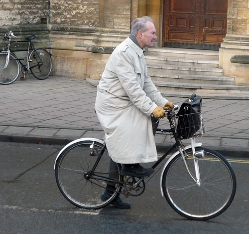 old-man-grey-coat | Tejvan Pettinger | Flickr
