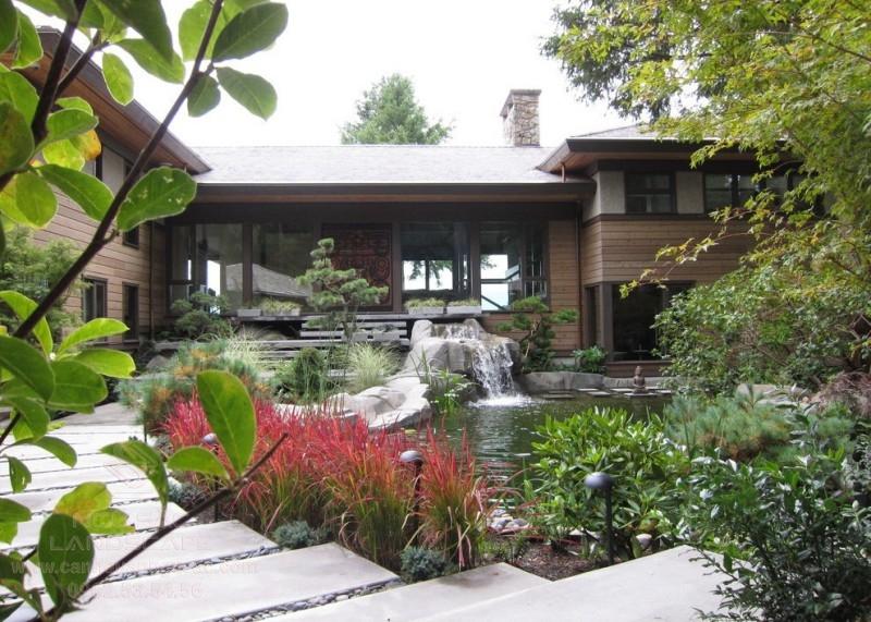 Sân vườn hồ cá cho biệt thự vườn 1 tầng