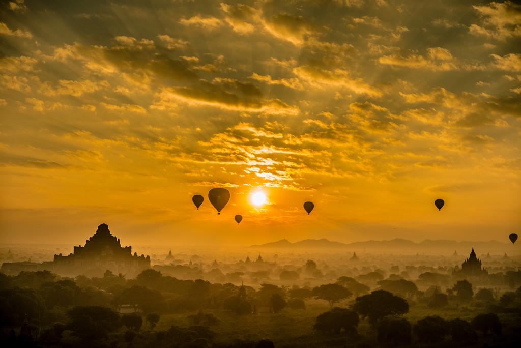 Lịch trình du lịch Bagan: Bình minh lên trên Bagan huyền bí