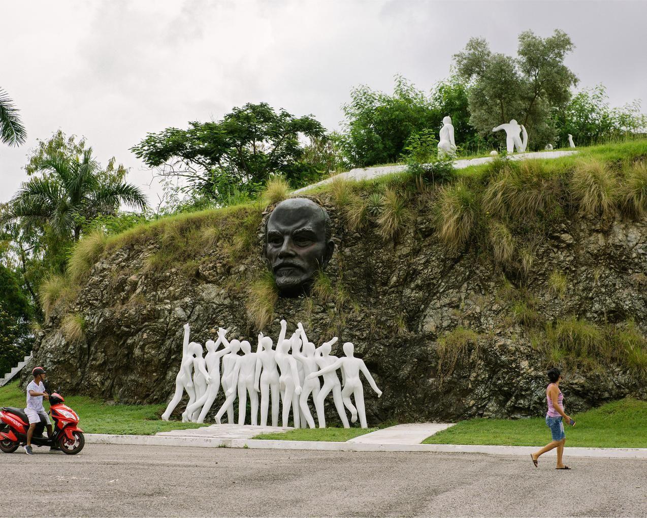 哈瓦那一處郊區的列寧紀念碑。