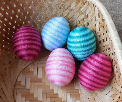 Image result for zdobení vajíček nitkami ve škole