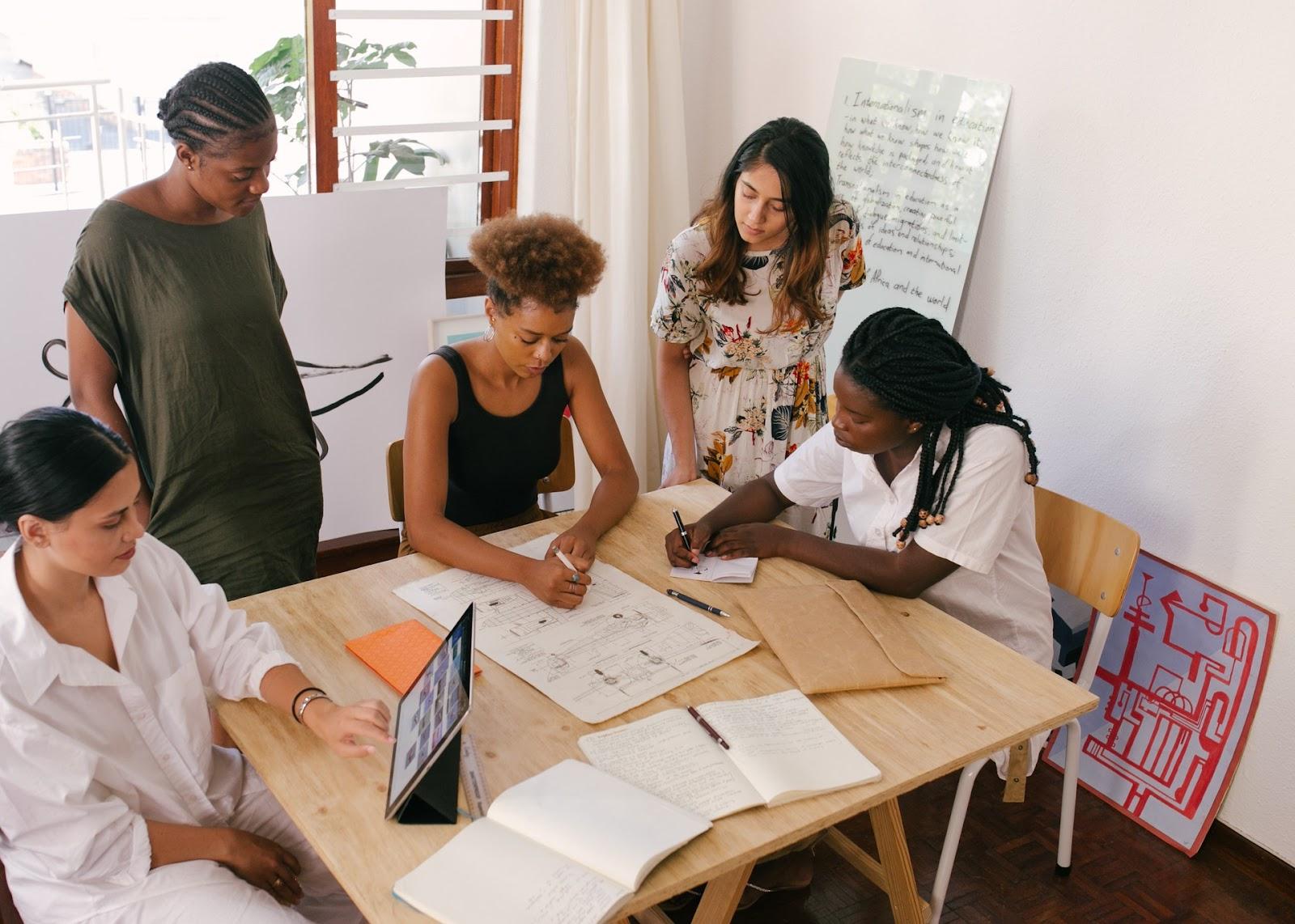 photo illustrating direct sales training