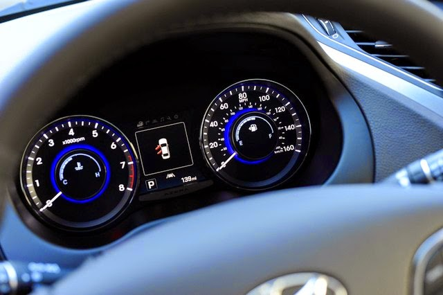 Hyundai-Azera-2015-10