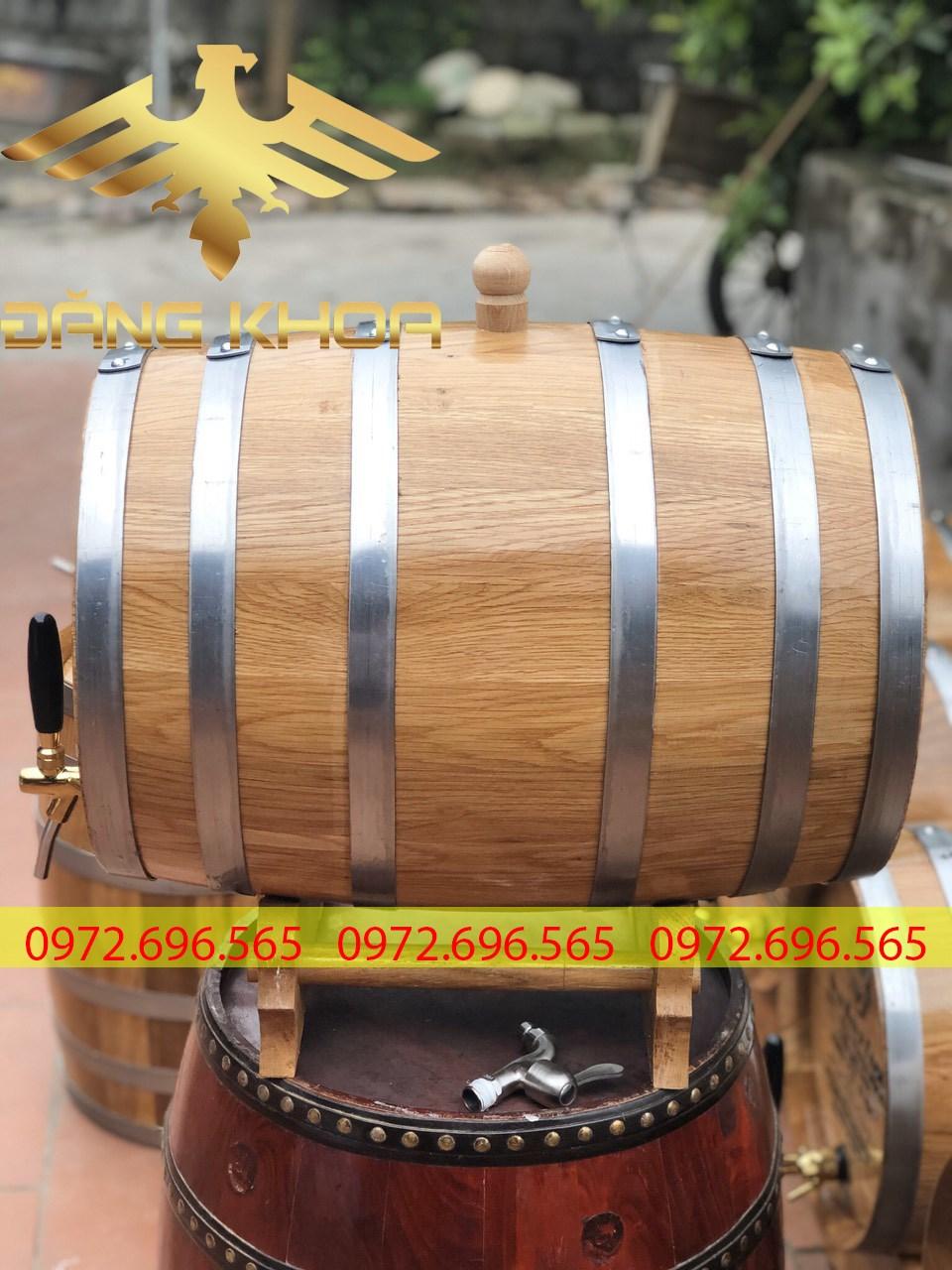 Ngâm rượu trong thùng gỗ giúp màu rượu bắt mắt hơn