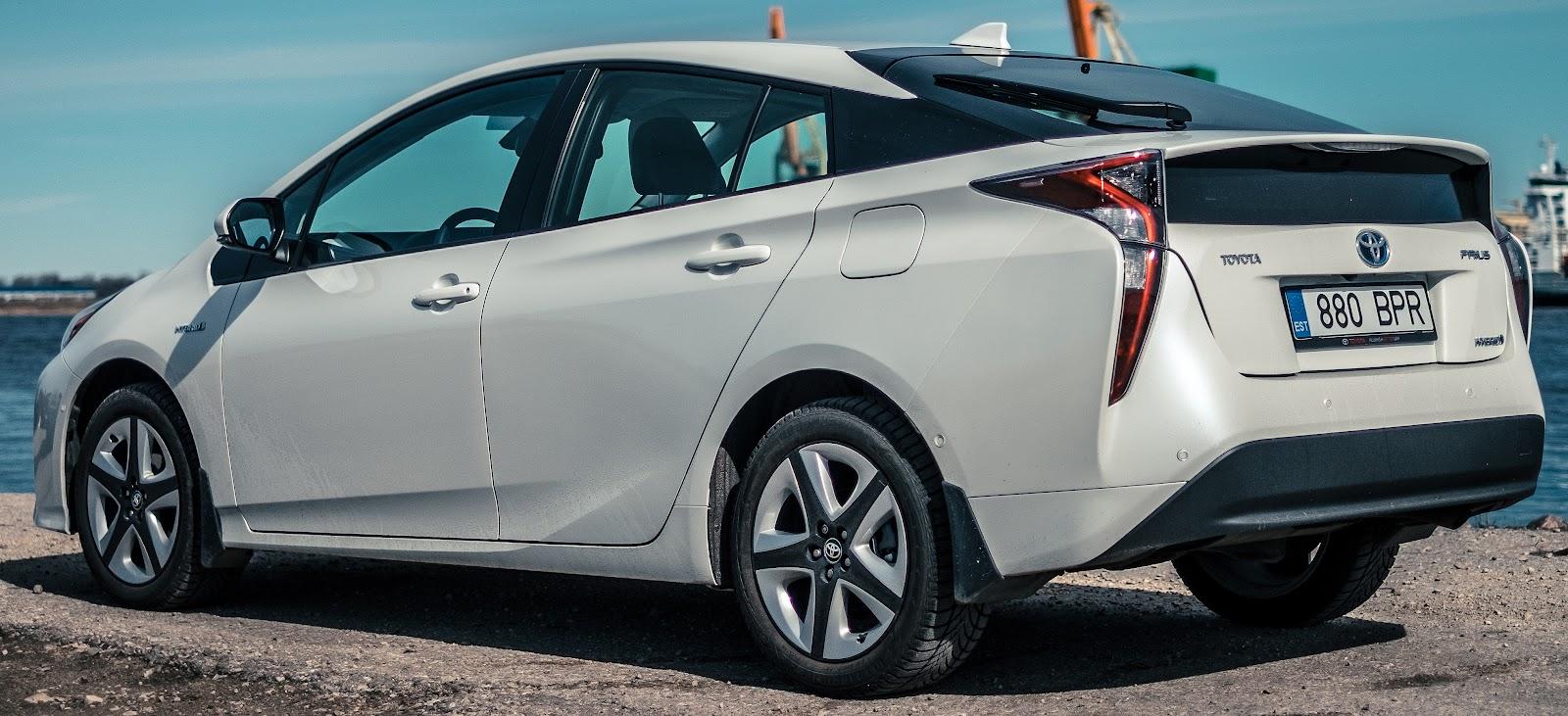 Superbe File:2016 Toyota Prius (ZVW50R) Hybrid Liftback (2016 04 02