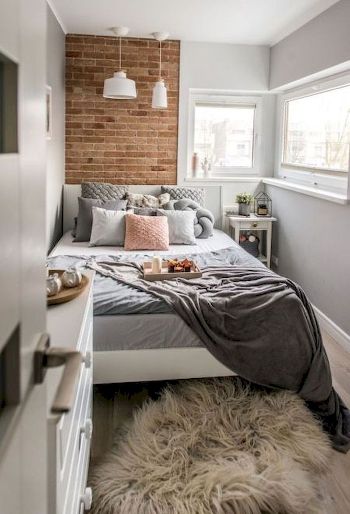 Small Scandinavian Bedroom Ideas