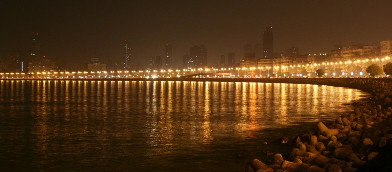 https://magnificentmaharashtra.files.wordpress.com/2014/07/marine_drive_night.jpg