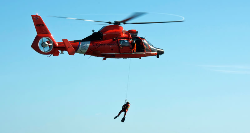 US_Coast_Guard_Search_&_Rescue_Demo_And_The_US_Coast_Guard_Cutter_Joins_The_2019_Chicago_Air_&_Water_Show